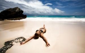62362194_Bikini_Woman_sexy_Sensual_by_PCTekSupport-300x187 Как получить красивый загар без вреда здоровью