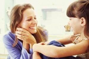 happy_girl_and_mom-1.0x500-300x200 Топ вредных привычек передающихся от матерей к дочерям