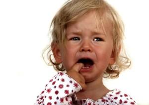 175453001399881080-300x211 Почему ребёнок плачет?