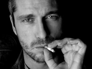 Men_Male_Celebrity_Gerard_Butler_023065_29-300x225 Мужской взгляд на вредные привычки и первую любовь