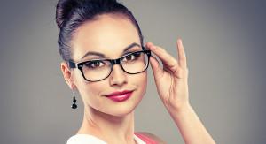 Gözlük-Kullananlar-İçin-Makyaj-Önerileri-KAPAK-VE-GIRIS-300x163 Много косметики на женщине и восприятие окружающих