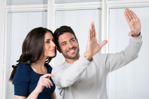 bigstock-Happy-satisfied-couple-looking-14508851-300x199 Стена и психология взаимоотношений
