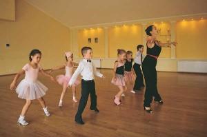 cmWogytpA9U-300x199 Как выбрать школу танцев: полезные советы