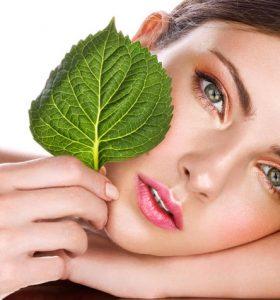 Beautiful-woman-and-cosmetic-02-280x300 Уход за кожей лица и тела натуральными маслами