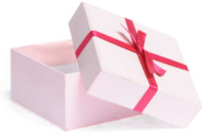 beauty-box-isolated-300x200 Оформленный бьюти-бокс — приятный подарок для любой девушки