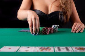 DBWKE-GW0AA4CZx.jpg-large-300x197 5 простых шагов, которые помогут вам выиграть в онлайн-покере