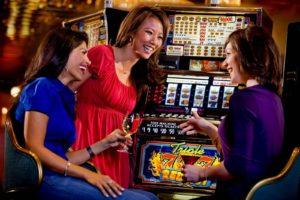i-1-300x200 Онлайн казино набирают популярность среди женщин