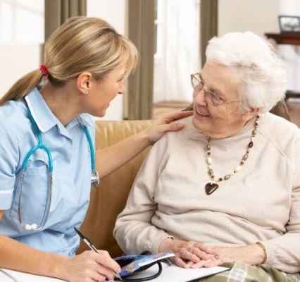 """nevrolog-posle-insulta-1 Пансионат для пожилых """"Тепло Любимых"""" - забота и реабилитация для пожилых пациентов"""