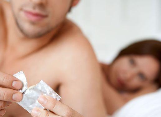 main-what-to-do-when-you-cant-finish-wearing-a-condom Проблема преждевременного семяизвержения у мужчин решаема