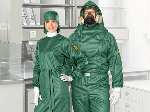 Ispytanie-protivochumnoy-odezhdy-proizvodstva-Lamsystems Современные методы защиты медицинского персонала - противочумные костюмы
