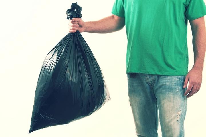 vynos-musora-v-period-samoizoljacii-1 Как правильно выбирать мешки для мусора?